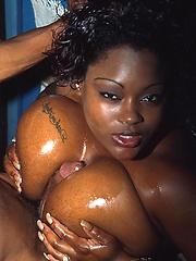 Big oiled ebony woman fucking