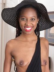 Saf strips naked posing in her new hat